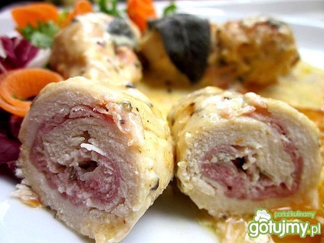 Roladki z szynką i serem w winnym sosie