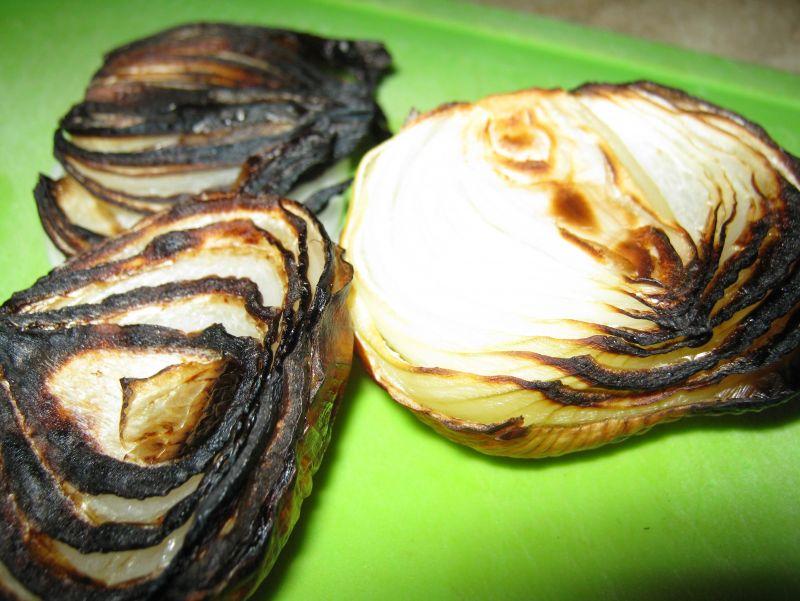 Rosół z grillowaną cebulką