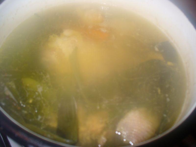 Rosół z kurczaka i indyka z makaronem nitki