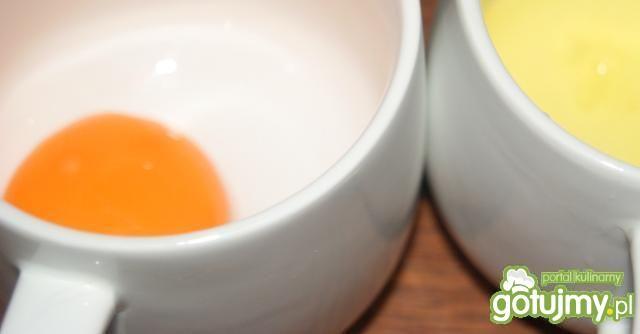 """Rosół z """"kwiatem"""" o orientalnym smaku"""