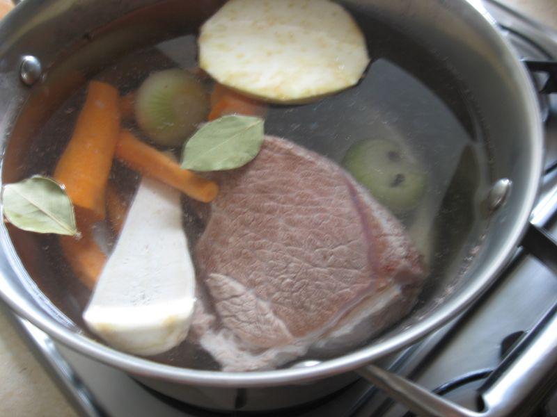 Rosół z mięsa wołowego