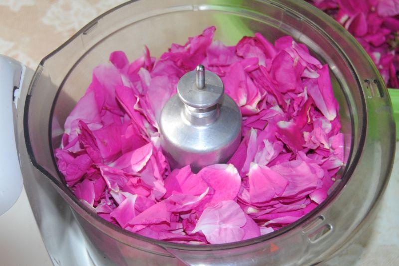 Różane naleśniki
