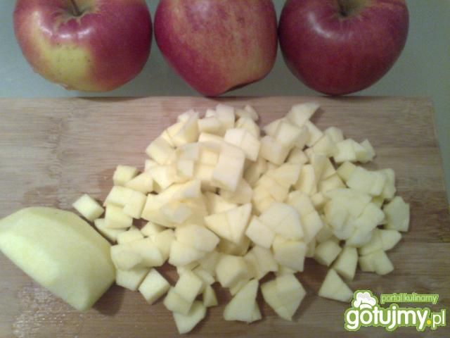 Rozgrzane jabłka z lodami.