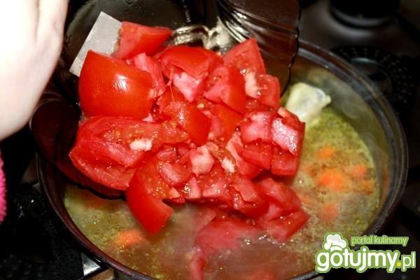 Rozgrzewająca zupa z zielonej soczewicy