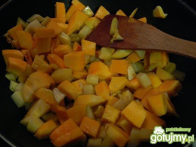 Rozgrzewający krem z dyni z mango