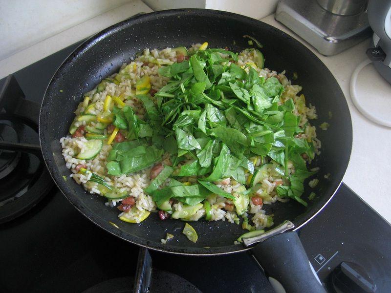 Ryż smażony z cukinią i ze szpinakiem