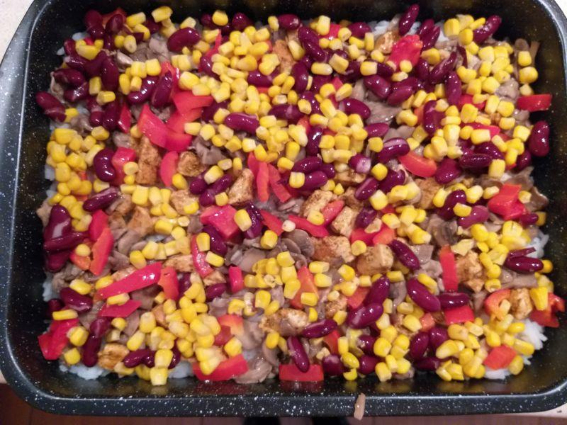 Ryż zapiekany z kurczakiem i warzywami