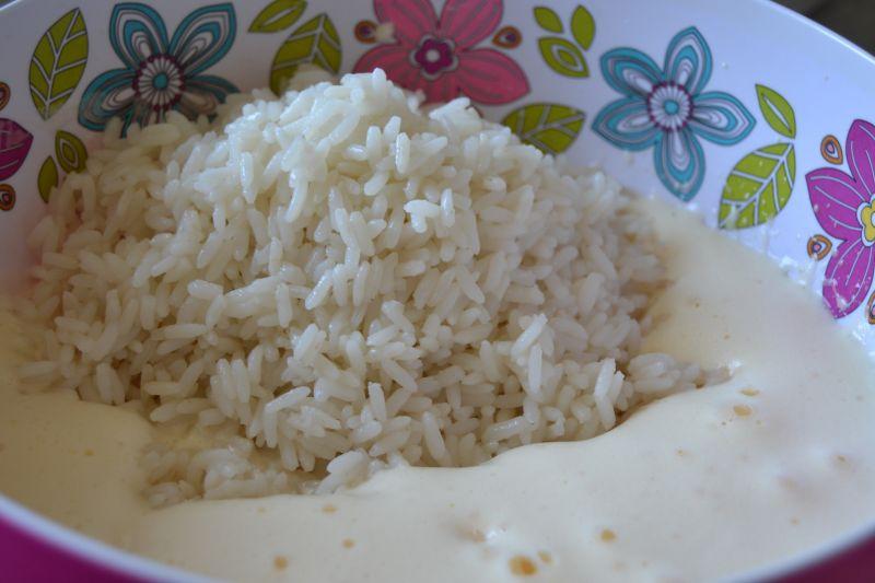 Ryżowe wafelki przełożone szpinakiem i rybą