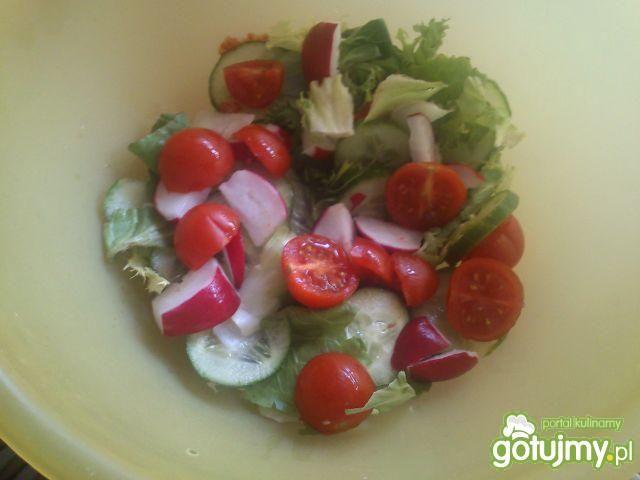 Sałata z truskawkami Mariel