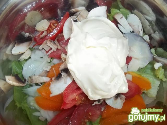 Sałatka do obiadu z pieczarkami