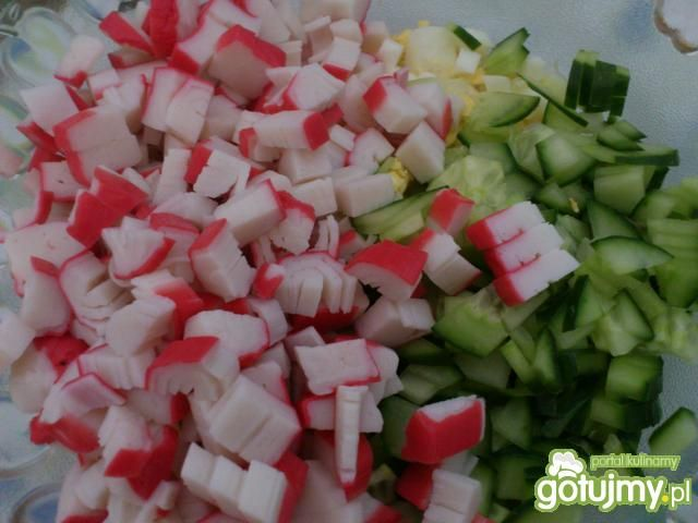 Sałatka krabowa z makaronem ryżowym