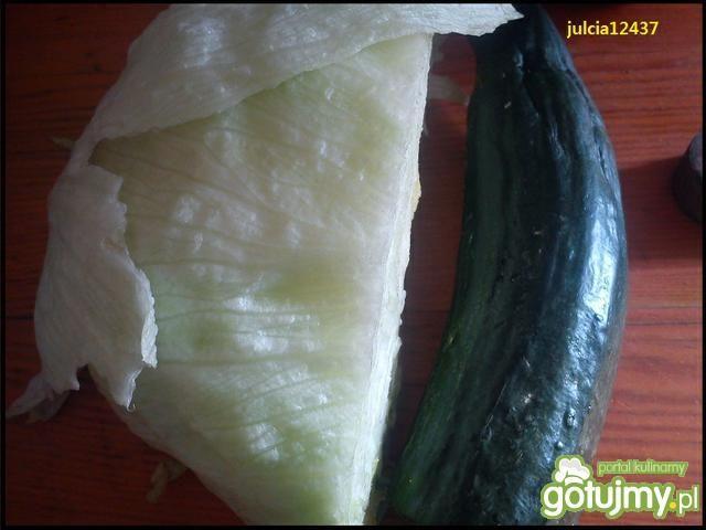 Sałatka lodowa ze świeżym ogórkiem 2