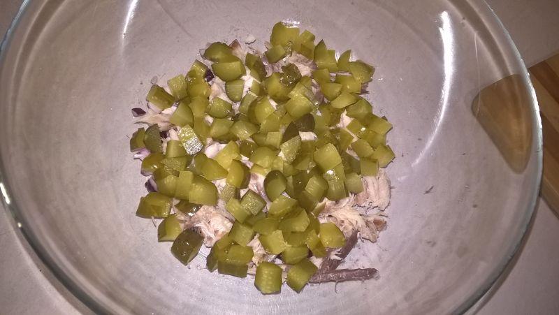 Sałatka makaronowa z makrelą