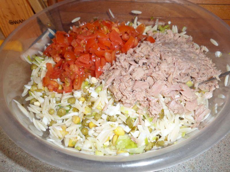 Sałatka makaronowa z tuńczykiem