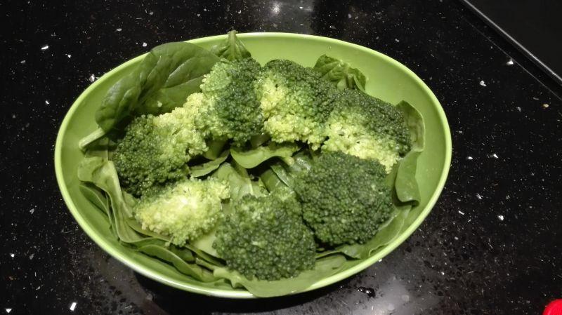 Sałatka nr 9 Szpinakowa Dieta 1200 kalorii
