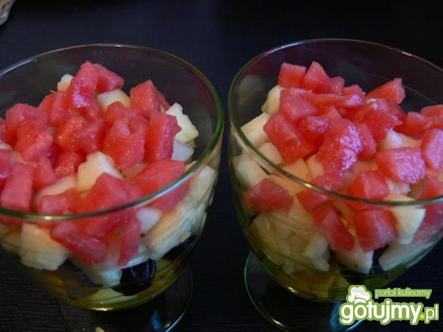 Sałatka owocowa z otrębami