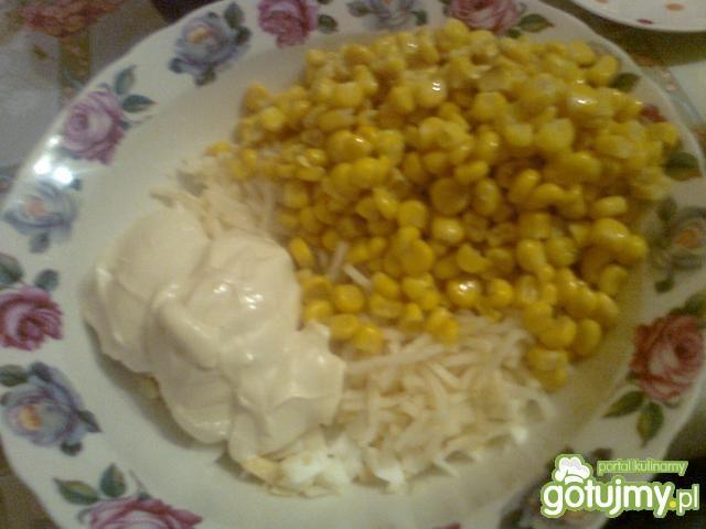 Sałatka selerowa z kukurydzą