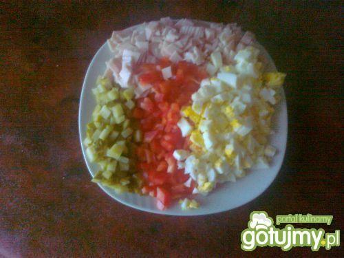 Sałatka śniadaniowa z chrzanem