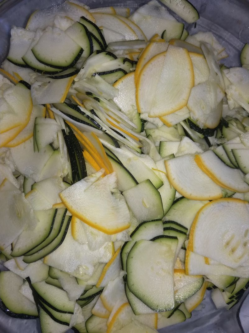 Sałatka szwedzka z cukinii na zimę.