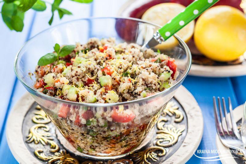Sałatka tabbouleh z komosą ryżową