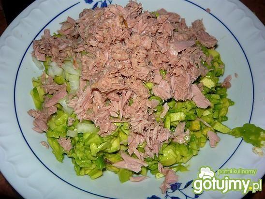 Sałatka: tuńczyk i awokado