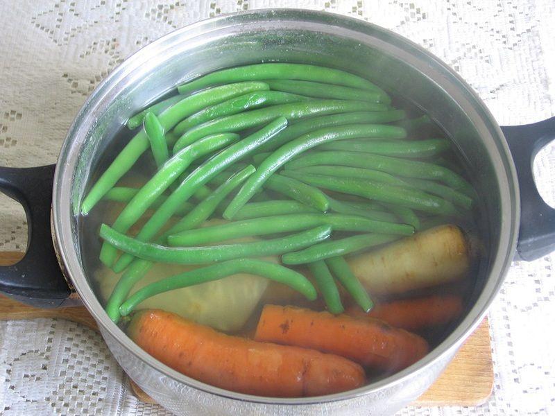 Sałatka warzywna z fasolką szparagową