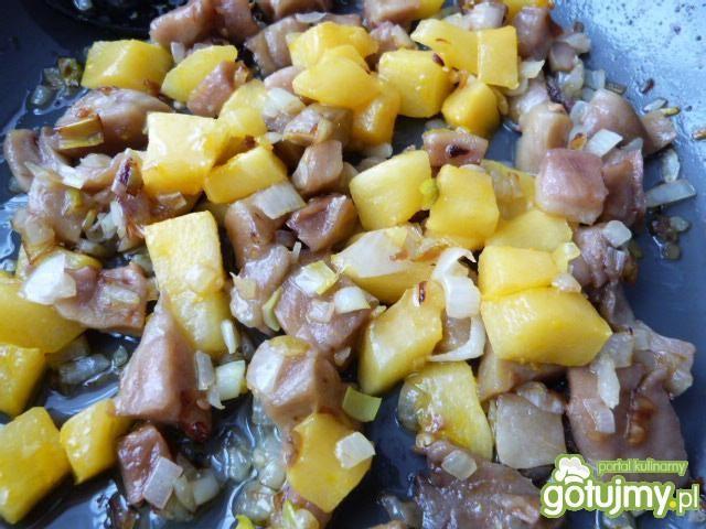 Sałatka z bakłażana, kabaczka i papryki