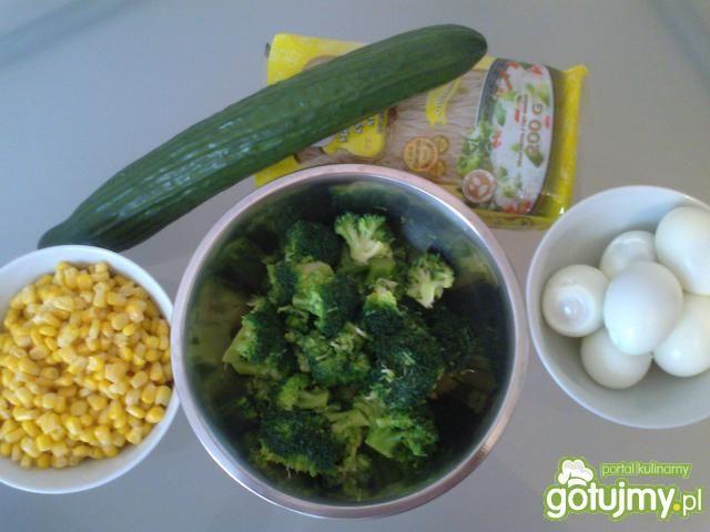 Sałatka z brokułami 3