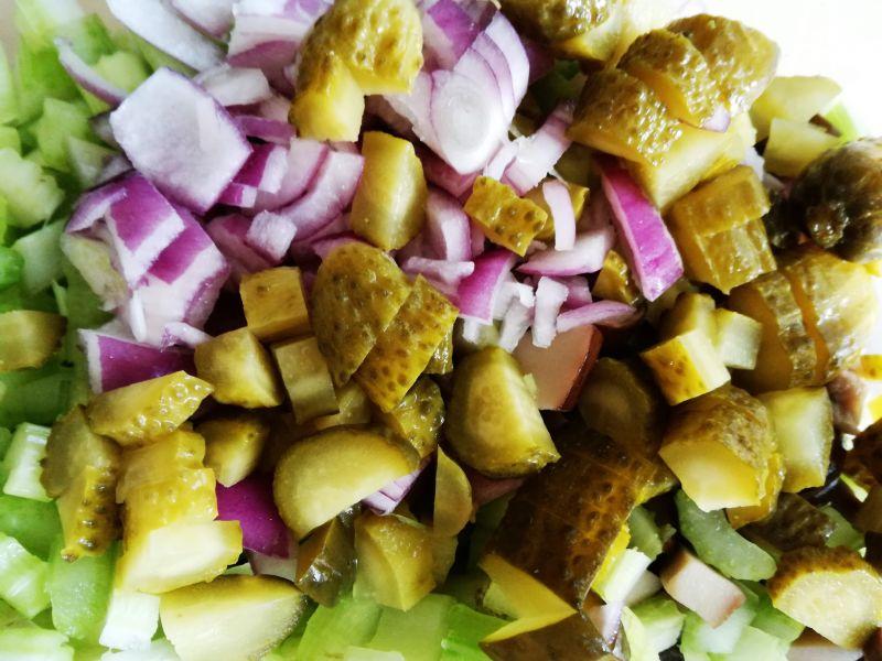 Sałatka z fenkułem i pieczarkami