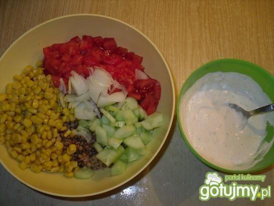 Sałatka z gryczanej kaszy i kukurydzy