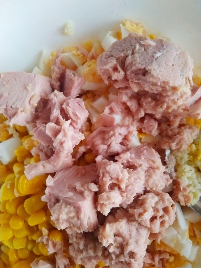Sałatka z kaszy jaglanej i tuńczyka