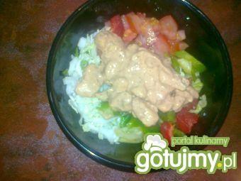 Sałatka z kurczaka w ostrym sosie