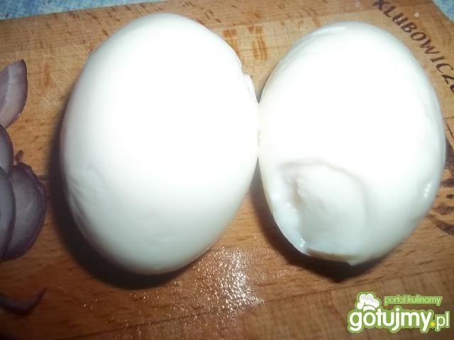 Sałatka z kurczakiem i jajkami