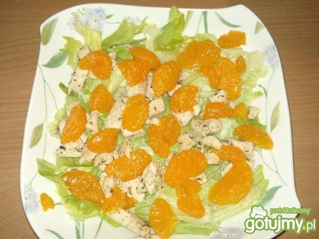 Sałatka z kurczakiem i mandarynką