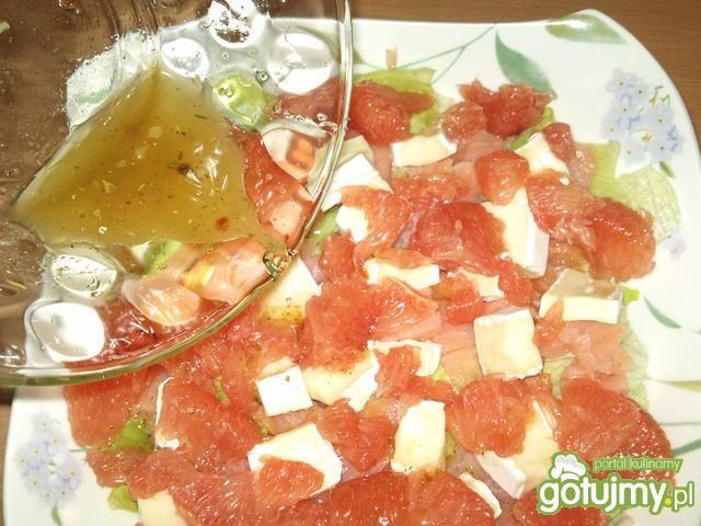 Sałatka z łososiem i grejfrutem