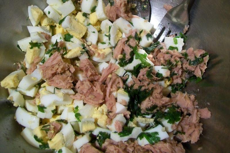 Sałatka z makaronem i tuńczykiem