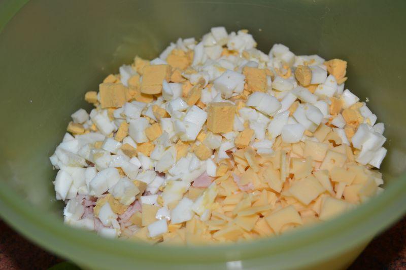 Sałatka z makaronem ryżowym