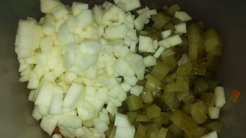 Sałatka z ogórków kiszonych