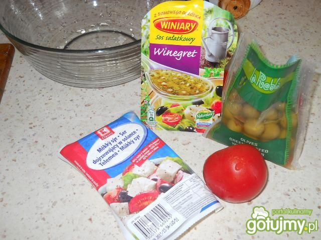 Sałatka z oliwkami