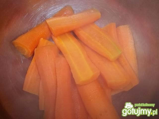 Sałatka z panierowaną marchewką