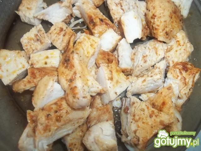 Sałatka z ryżem i kurczakiem 4