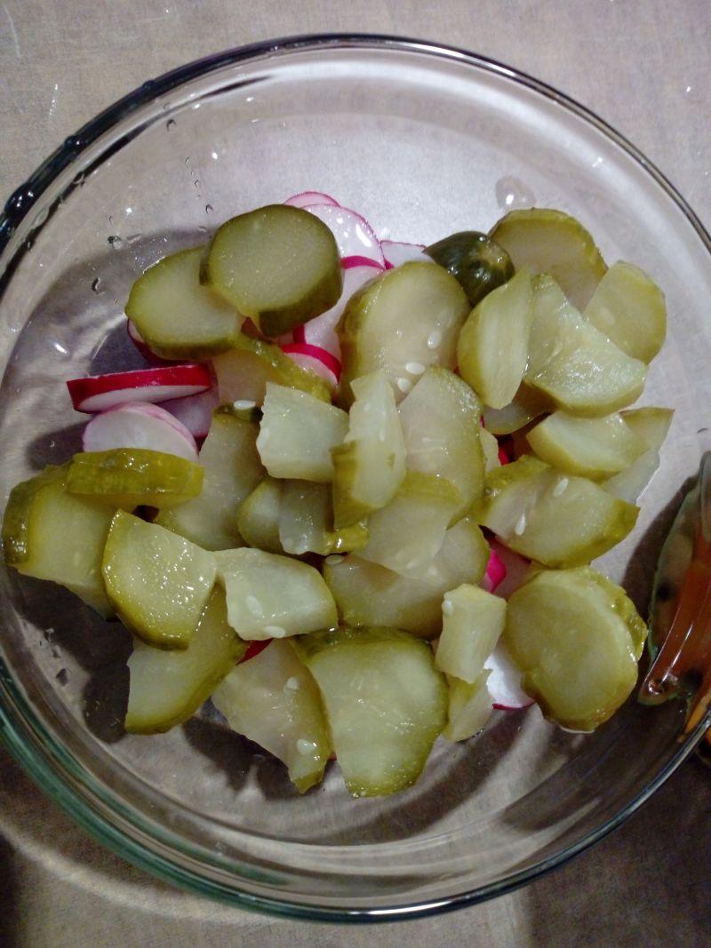 Sałatka z rzodkiewki i ogórka
