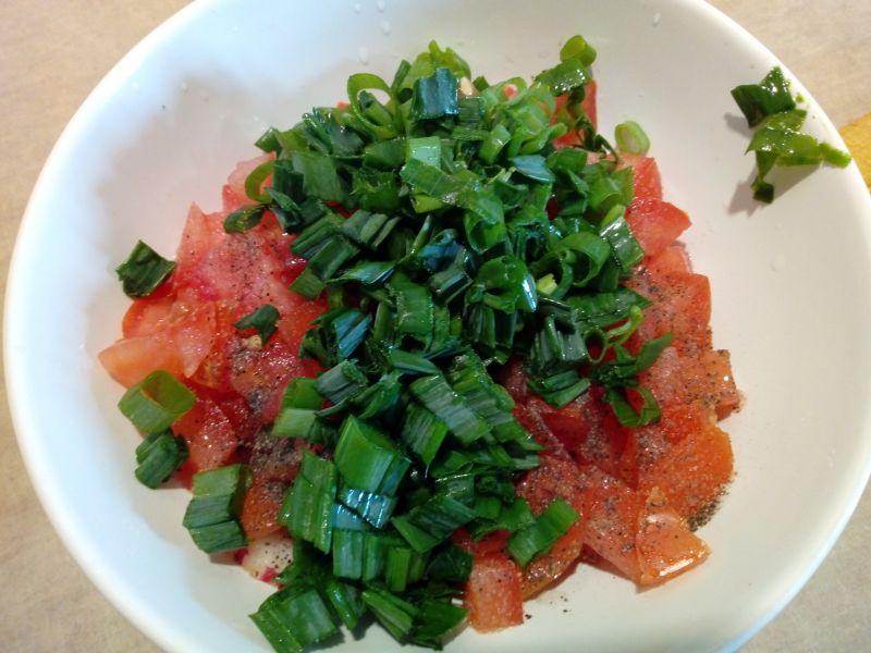Sałatka z rzodkiewki i pomidora