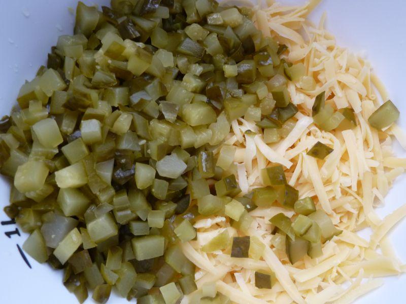 Sałatka z serem i szynką