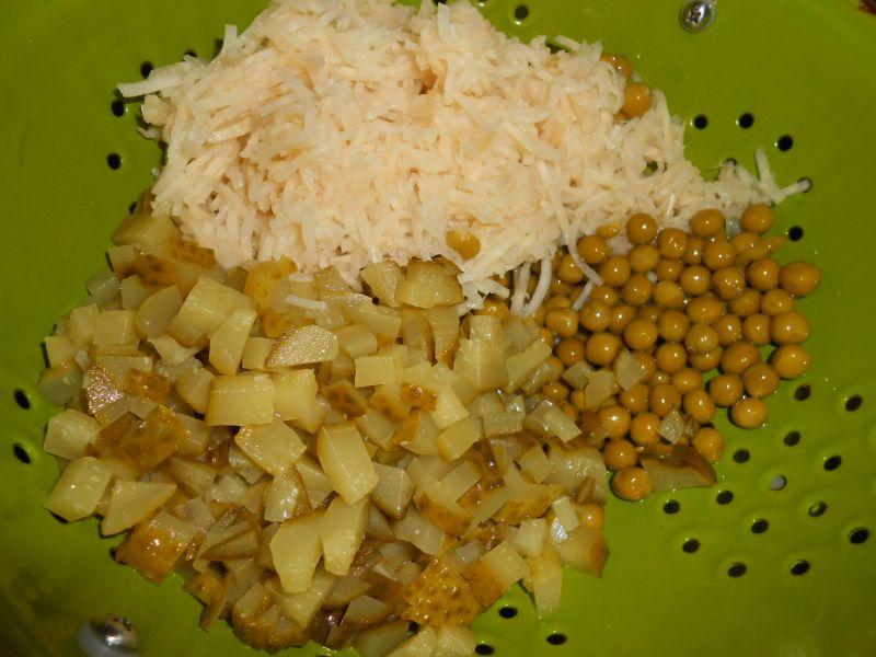 Przepis Salatka Z Szynka I Selerem Konserwowym Przepis Gotujmy Pl