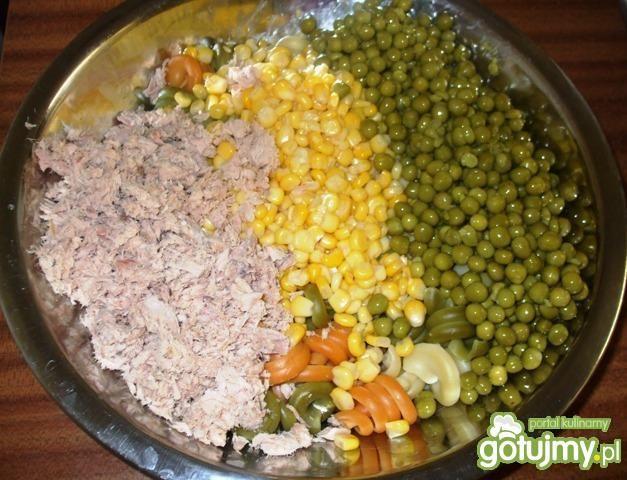 Sałatka z trotolle i tuńczykiem