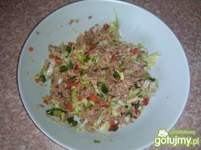 Sałatka z tuńczyka z warzywami