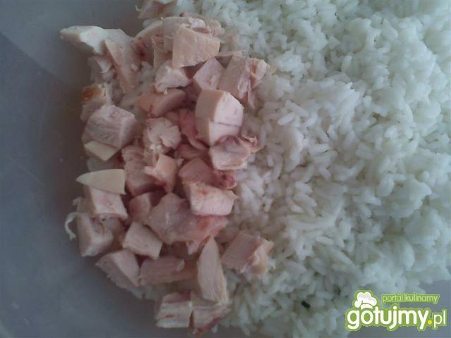 Sałatka z wędzonym kurczakiem wg Triss