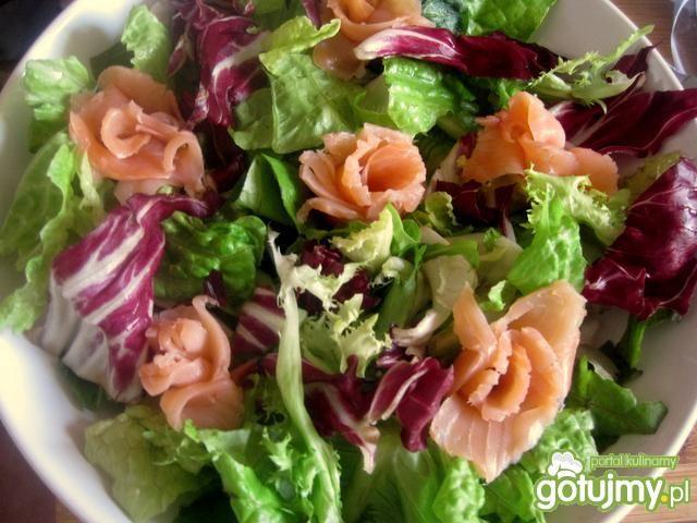 Sałatka z wędzonym łososiem wg Joli