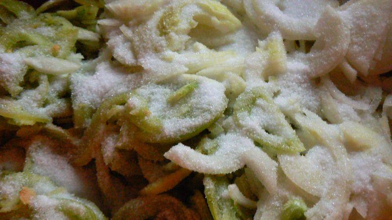 Sałatka z zielonych pomidorów